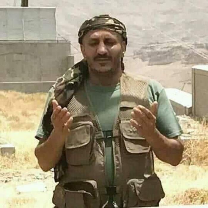 عبدالعزيز جباري يغازل طارق محمد عبدالله صالح على طريقته الخاصة