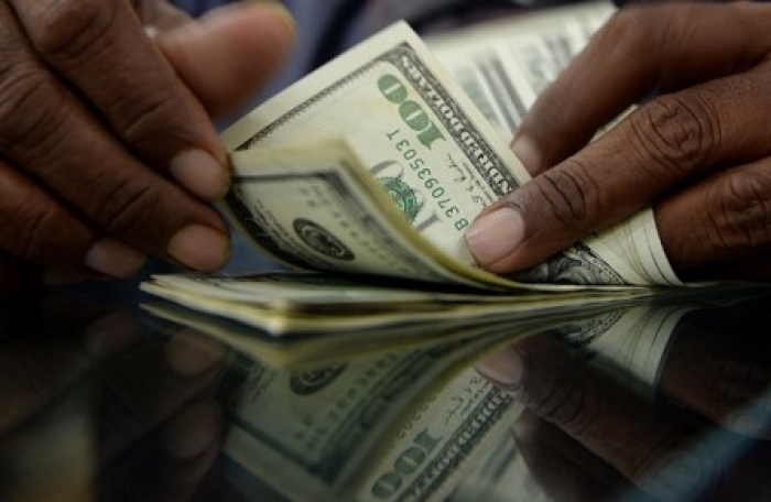 الدولار يتجاوز حاجز الـ 503 ريال يمني .. اخر اسعار العملات الرئيسية بعدن
