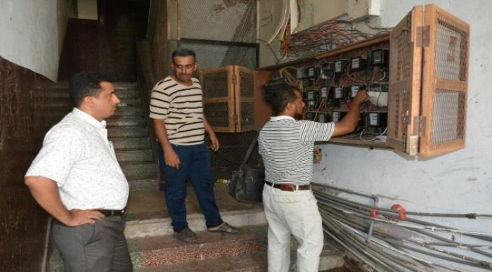 كهرباء عدن تواصل حملة قطع التيار عن المخالفين