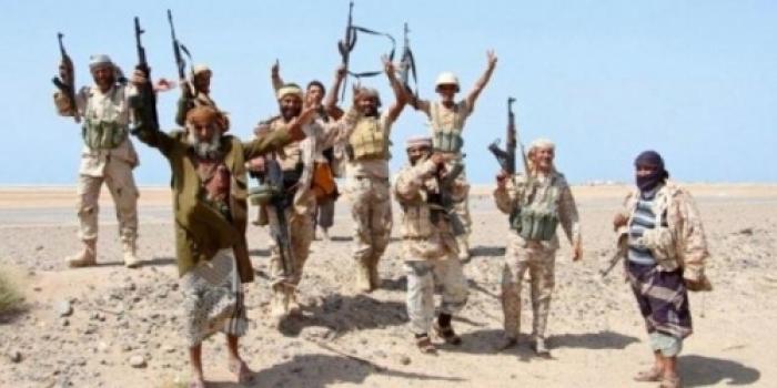 عملية عسكرية استخباراتية ناجحة نفذتها قوات الجيش تنتهي بالقبض على 35 حوثيا (تفاصيل)