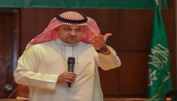 الاتحاد السعودي يوافق على استقالة عادل عزت