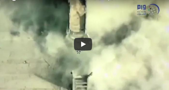 """شاهد.. هسترت ميليشيا الحوثي وكيف حاولوا منع القوات من اقتحام وسط الحديدة بعد فشلهم الذريع """"فيديو"""""""