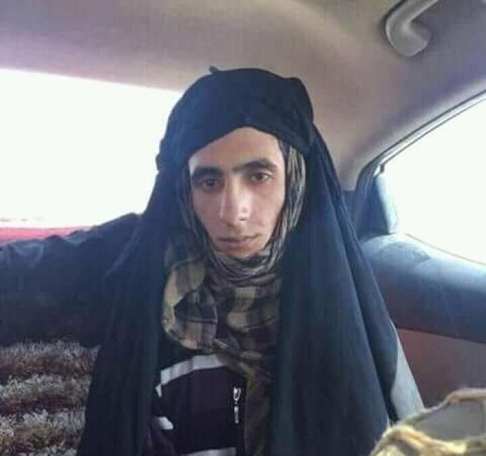 """تعرف على اسم وصورة القيادي الحوثي الكبير من """"آل الدين"""" يقبض عليه بملابس نسائية أثناء هروبه في الحديدة"""
