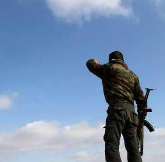 """طفلة سورية تقتل والدها """"زعيم عصابة سلب"""""""