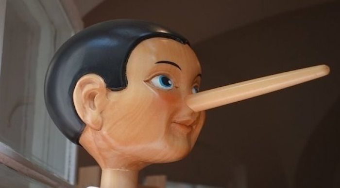 دراسة: الكذب يتسبب بانكماش الأنف