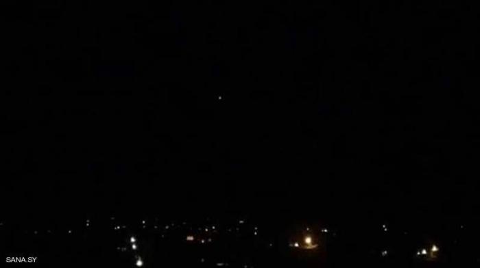 دمشق تسقط طائرة حربية إسرائيلية وتعترض 4 صواريخ