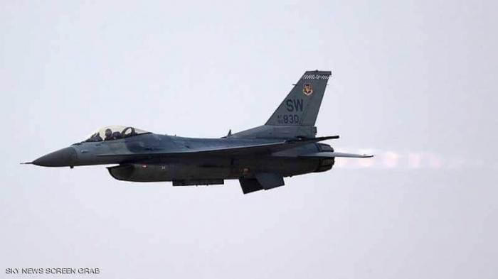 """""""رحلة غرامية"""" بمقاتلة F16 أطاحت بضابط أميركي كبير"""