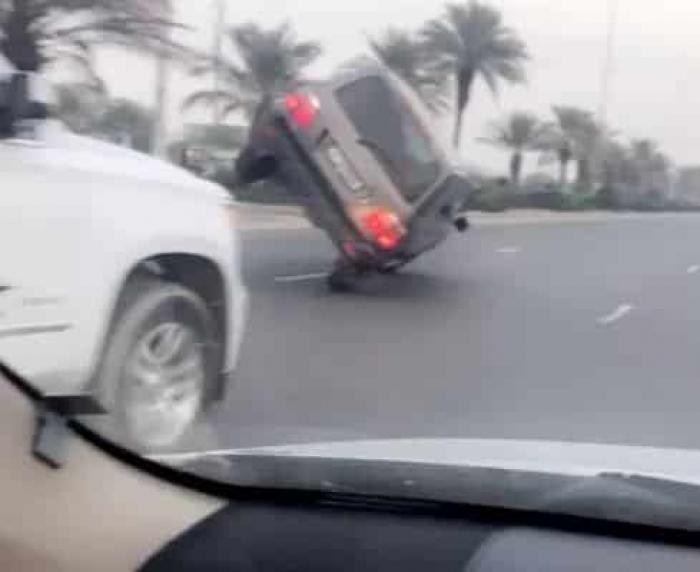 بالفيديو: غضب بسبب استعراض خطير لخليجي بسيارته في أحد شوارع الكويت