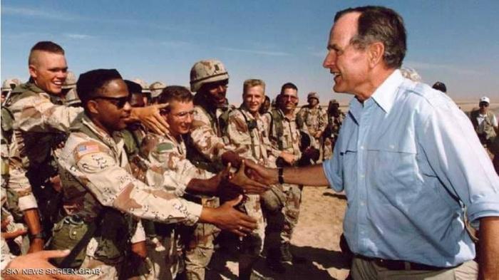 """بوش الأب.. من الحرب العالمية الثانية إلى """"عاصفة الصحراء"""""""