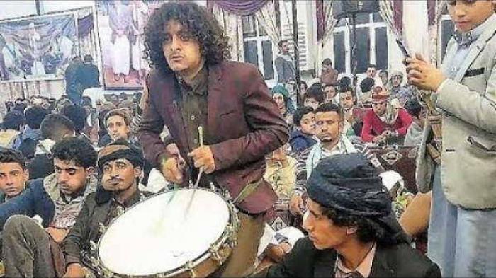 شاهد ضارب الطاسة اليمني ( الحمزي)  الذي خسر في مسابقة MBC بعد عودته من بيروت وهو يبترع في صعدة ؟؟ فيديو