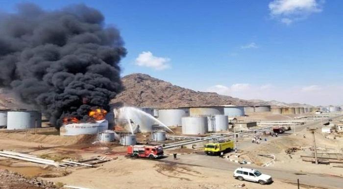 مصافي عدن تؤكد إنحسار النار في الخزان رقم 313 وإنتهاء خطورة الحريق على المصفاة